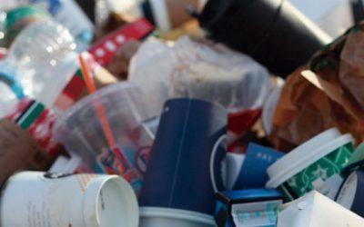 Cómo usar menos plástico en la oficina
