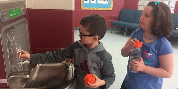 Bebederos Escolares con Llenadora de Botellas